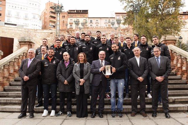 Lambán con el  Club de Voleibol de Teruel