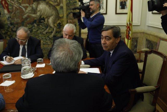 Julián Sánchez Melgar preside el Pleno del Consejo Fiscal