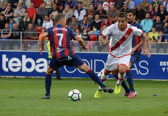 Rayo y Huesca se enfrentan en Segunda División
