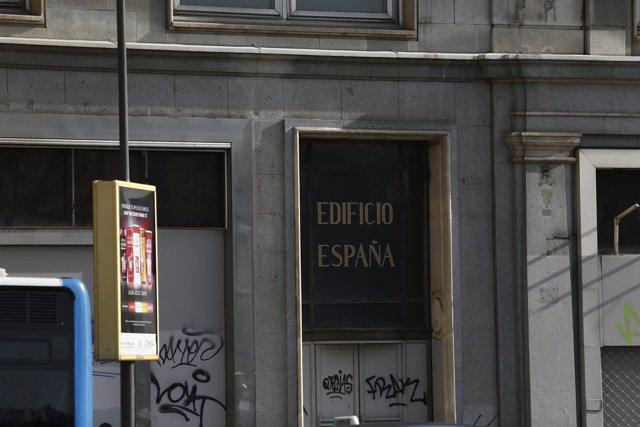 Edificio España, Plaza España