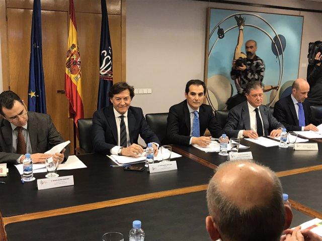 Interior, LaLiga, la RFEF y la UEFA estudian medidas para acabar con la violenci