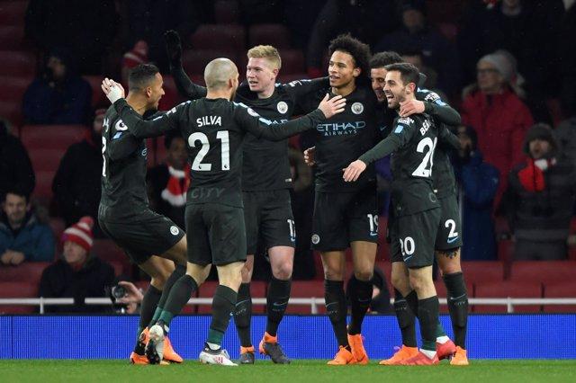 El Manchester City vuelve a golear al Arsenal al ritmo de Sané
