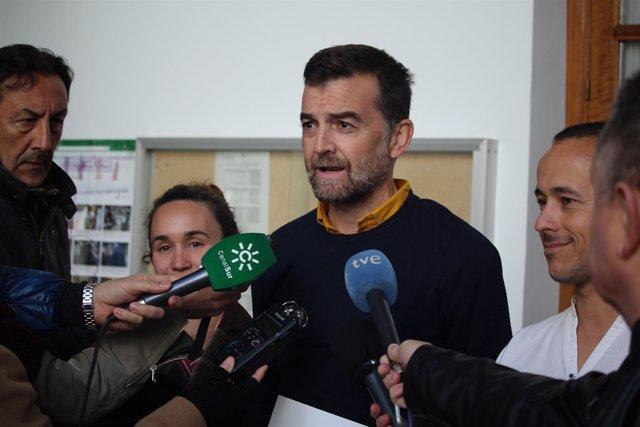 El coordinador general y portavoz parlamentario de IULV-CA, Antonio Maíllo