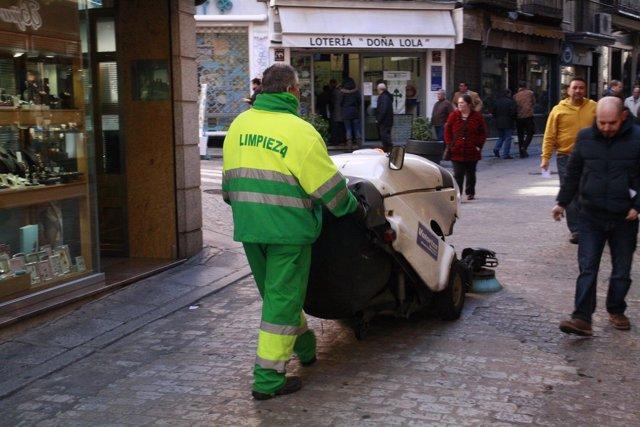 Hombre trabajando, Paro, Limpieza de toledo, Calle, Desempleo, Paro, Inem