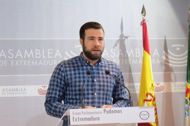 El diputado de Podemos Daniel Hierro