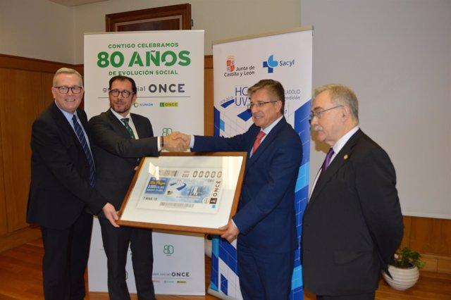 Presentación del cupón de la ONCE dedicado al Clínico.