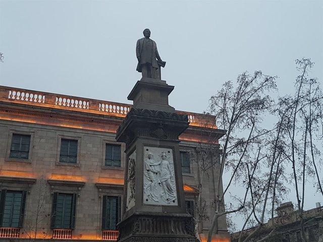 Estatua de Antonio Löpez
