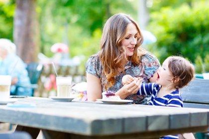 6 claves para evitar peleas con la comida en familia