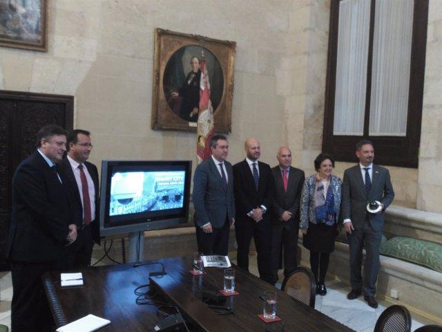 Espadas firma con cuatro empresas un proyecto smart city en Semana Santa