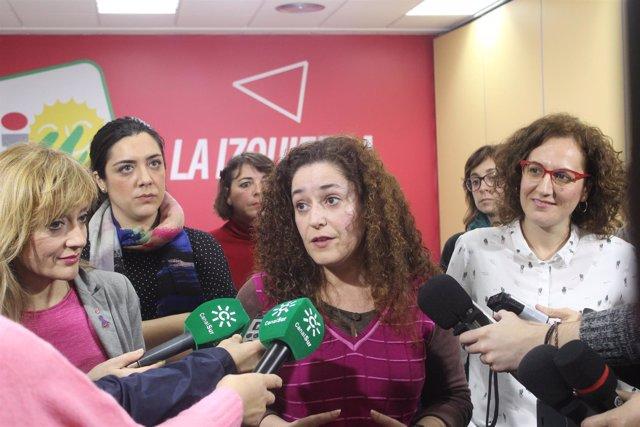 Carmen Castilla (UGT), Inmaculada Nieto (IU) y Nuria López (CCOO) por el 8M