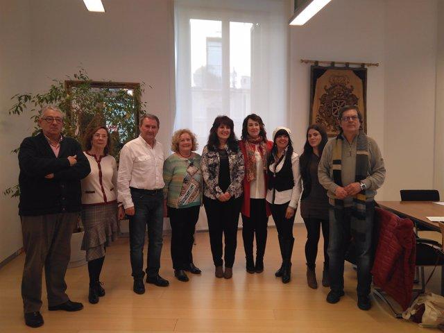 Aznárez junto a representantes de la Coordinadora en defensa de las pensiones