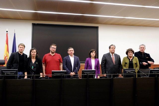 Miguel Urbán con eurodiputados que visitarán el Valle de los Caídos