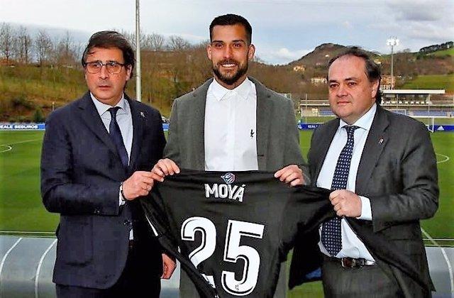 Miguel Ángel Moyá se presenta con la Real Sociedad