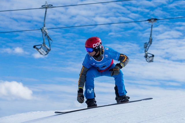 El snowboarder español Laro Herrero