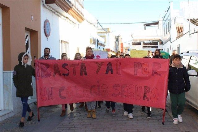 Protesta por el colegio de El Cuervo
