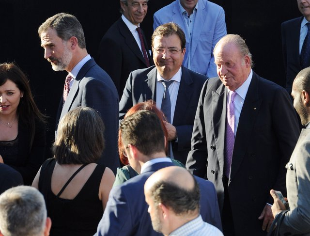Rey Felipe y Don Juan Carlos/IVAÁN DEL MONTE