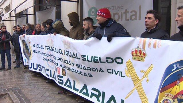 Concentración de JUSAPOL a las puertas del ministerio del Interior