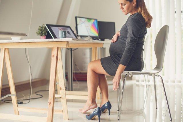 VARICES, embarazo, embarazada, trabajando, piernas