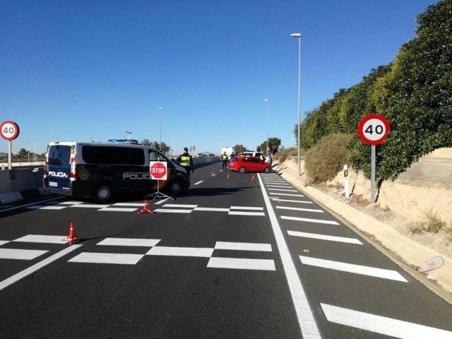 Control de la Policía Nacional, arrestado, carretera, prueba de alcoholemia