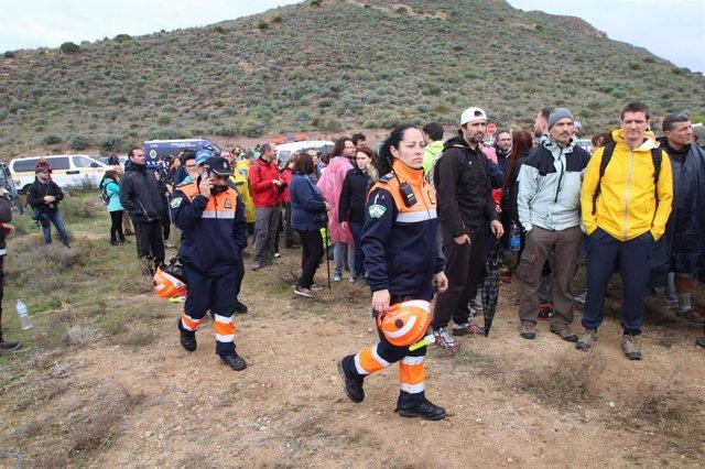 Voluntarios en la búsqueda del menor desaparecido