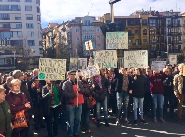 Concentración contra el Metro TUS