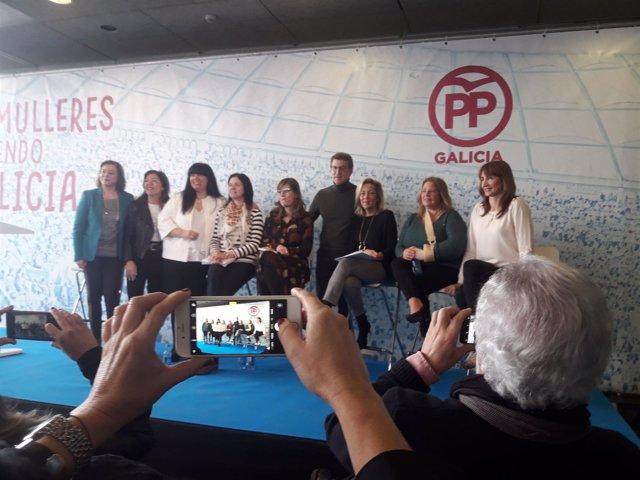 Feijóo en un acto con mujeres en A Coruña