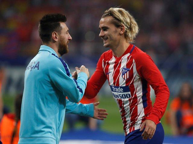 Lionel Messi y Antoine Griezmann en un Atleti-Barça