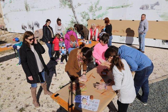 Taller de arte rupestre y de elaboración de vasijas en Mequinenza.