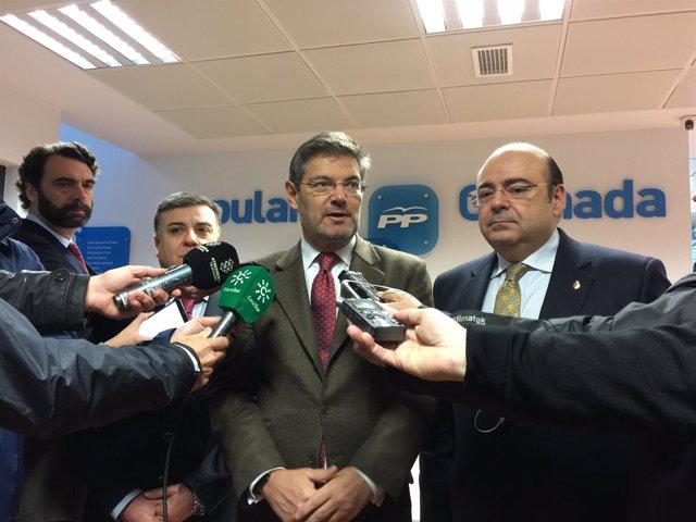El ministro de Justicia, Rafael Catalá, en la sede del PP de Granada