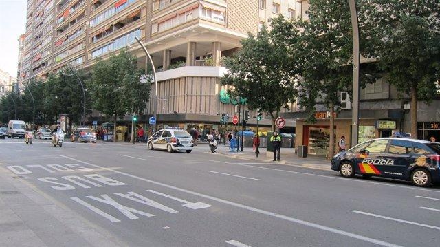 Coches De La Policía Local Y Nacional Recorren Gran Vía De Murcia