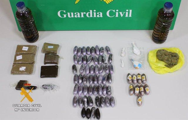 Rdo. Nota De Prensa Guardia Civil (Detenido Cuando Transportaba Hachís, Marihuan