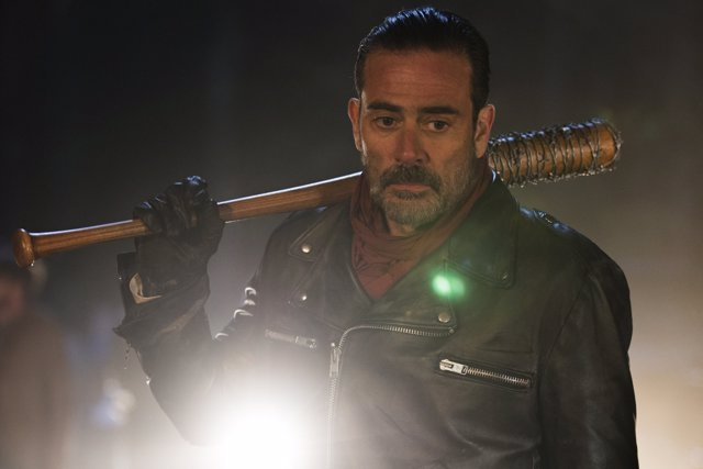 Jeffrey Dean Morgan es Negan en The Walking Dead