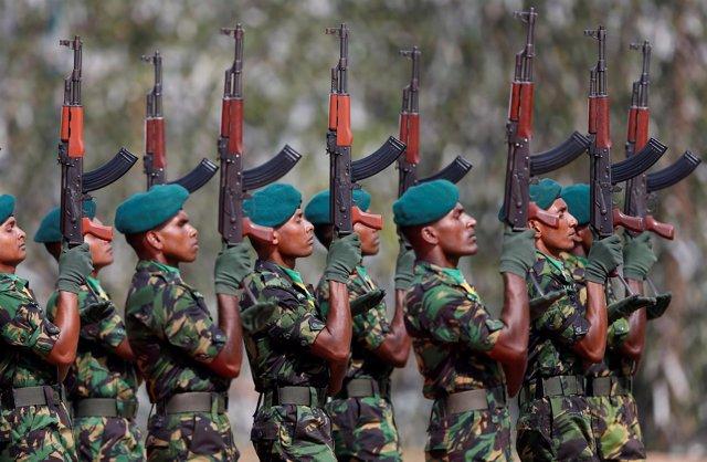 Fuerzas especiales de Sri Lanka en un desfile militar