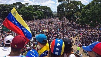 El CNE de Venezuela cierra las postulaciones de candidatos a las elecciones con solo cinco candidatos