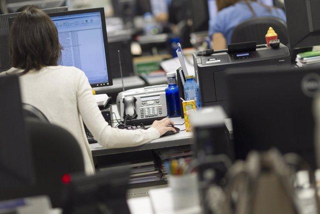 Trabajadora en una oficina