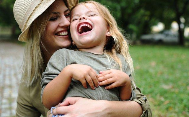 Por qué no debes decir a tu hija lo guapa que es (tantas veces)