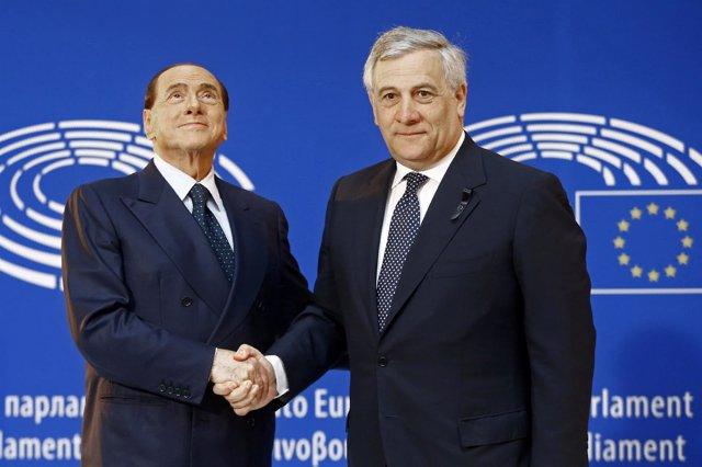 El ex primer ministro italiano Silvio Berlusconi y Antonio Tajani