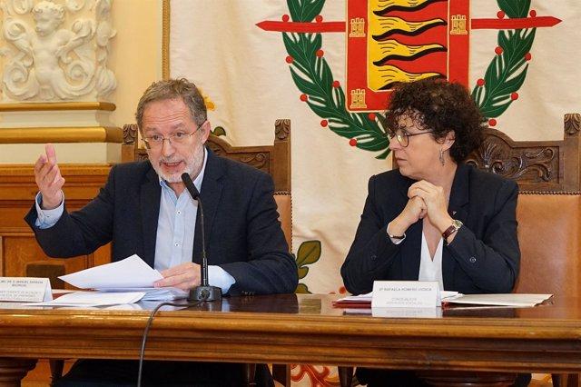 Los concejales de Valladolid Manuel Saravia y Rafaela Romero