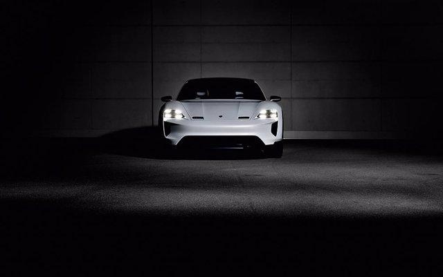 Nuevo prototipo de Porsche Mission E Cross Turismo