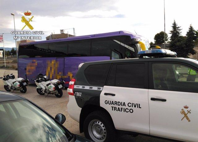 Autobús interceptado por Guardia Civil