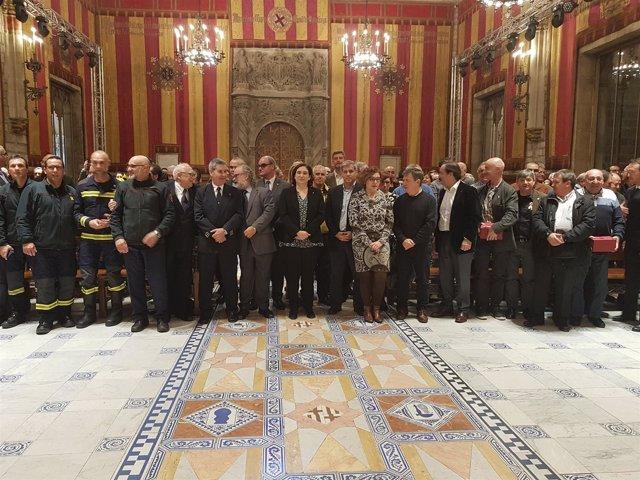 Colau en la entrega de distinciones a Bomberos de Barcelona