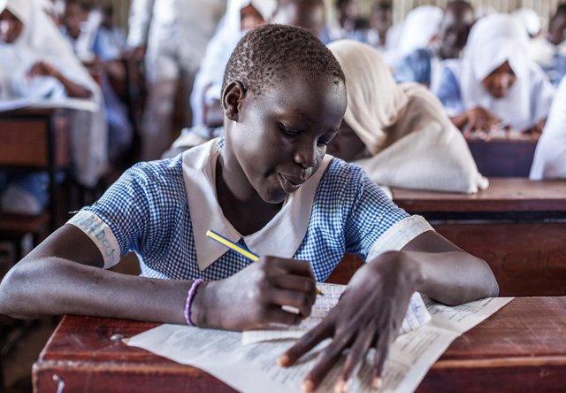 Una niña refugiada en el campo de Kakuma