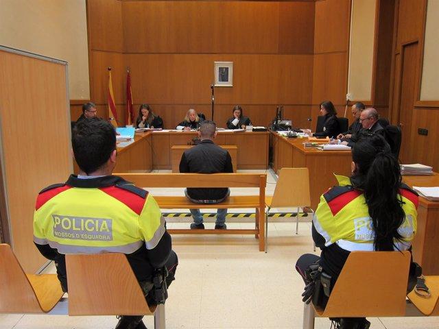 Juicio por una agresión homófoba en Sitges