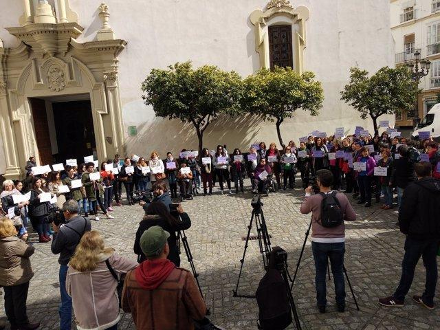 Concentración por la Igualdad en Cádiz