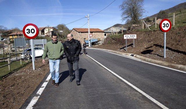 Mazón inaugura la carretera de acceso a Santa Olalla de Aguayo