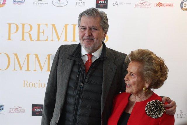Íñigo Méndez de Vigo con Rocío Gandarias en los II Premios Commodore