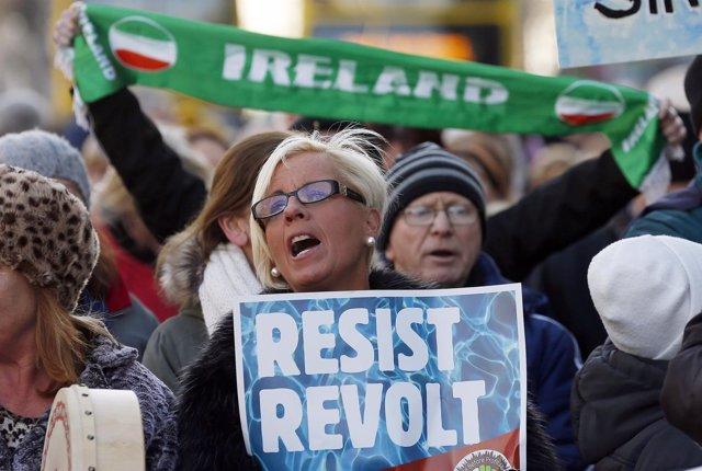 Manifestación contra el impuesto al agua en Irlanda