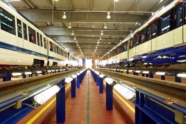 Trenes de Metro en mantenimiento