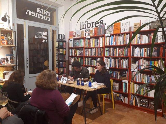 'Escriptores Amb Cambra Pròpia'