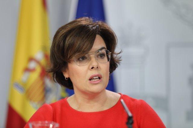 Rueda de prensa de Santamaría tras el Consejo de Ministros